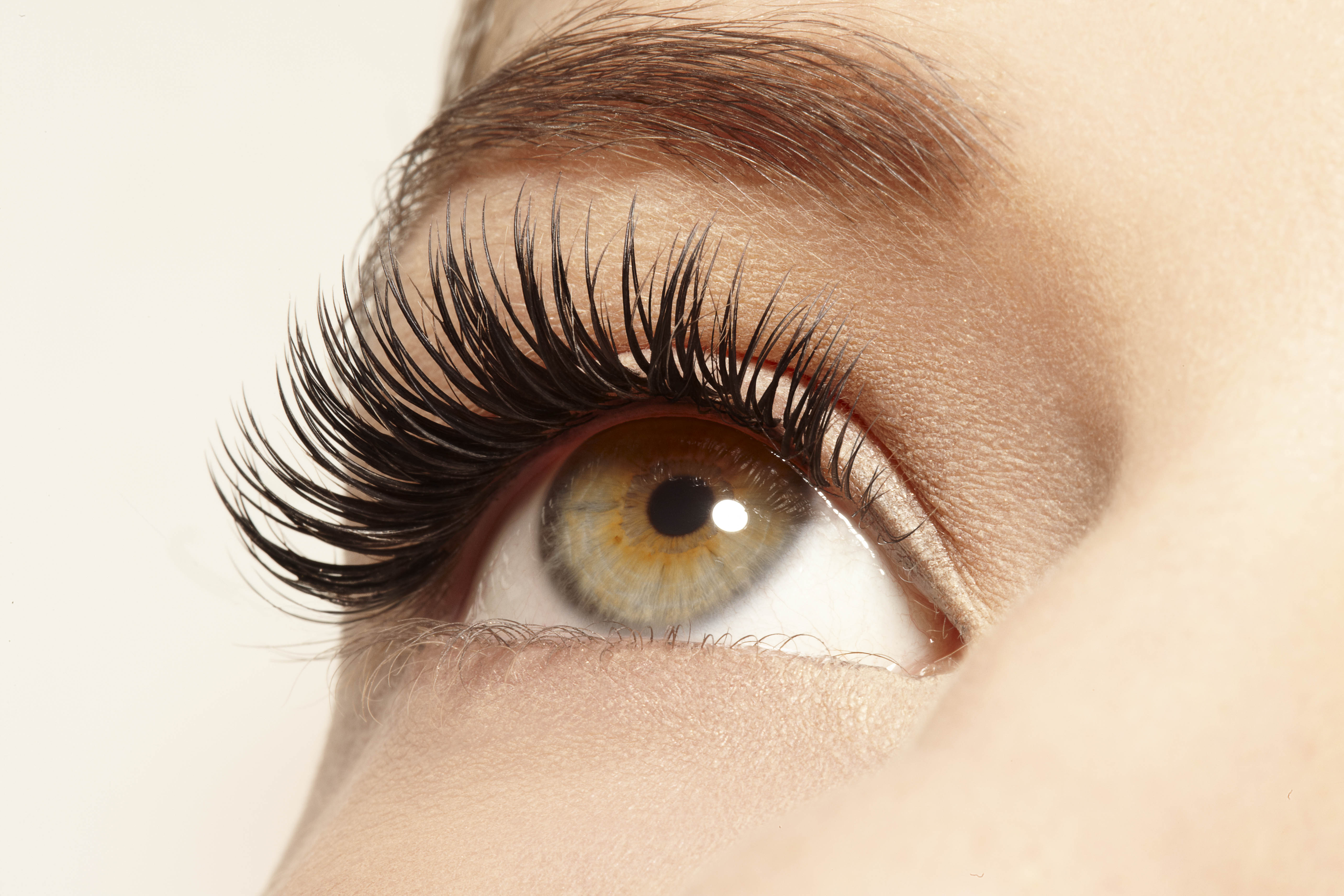 5 Tips To Make Your Eyelash Stay Longer